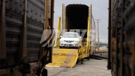 Car shipping by rail and train